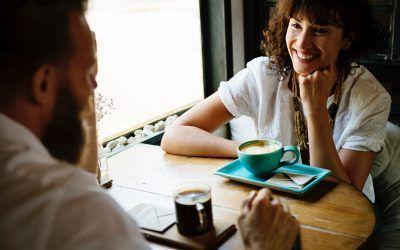 ¿Cómo conseguir una primera cita interesante?